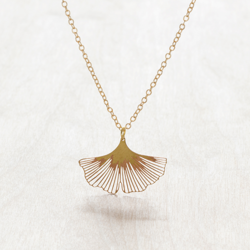 GINKGO NECKLACE CLOSE UP