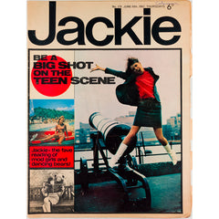 Mod Girls and Dancing Bears! Jackie Magazine 10th June 1967