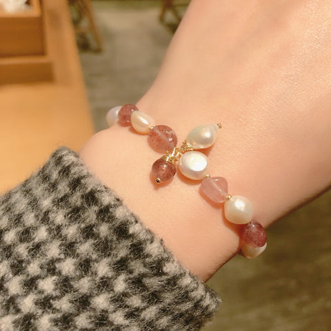 B037 Freshwater Pearls Strawberry Crystal Bracelet