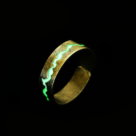 Couple Ring Glow In Night