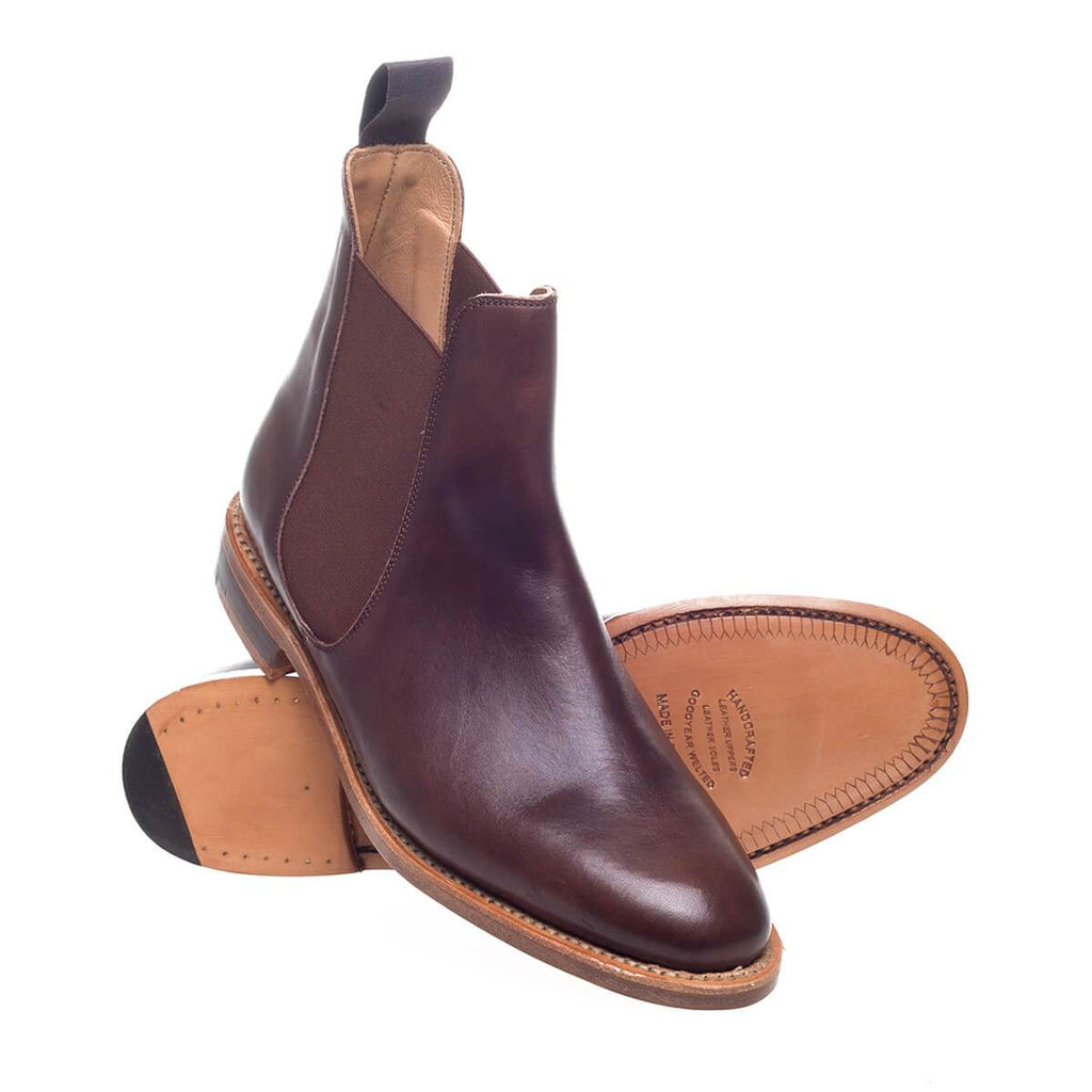 Browse Dune London's range of ladies chelsea boots. This classic is the perfect investment and a stylish essential that will last from season to season. A winter wardrobe essential, this wear-with-anything staple is updated for the season with flatform soles, block heels and brogue detailing.