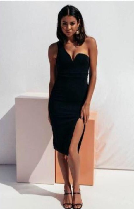 ONE SHOULDER HIGH SLIT DRESS (PRE ORDER)