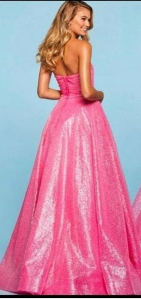 HEART NECK TUBE BALL GOWN (PRE ORDER)