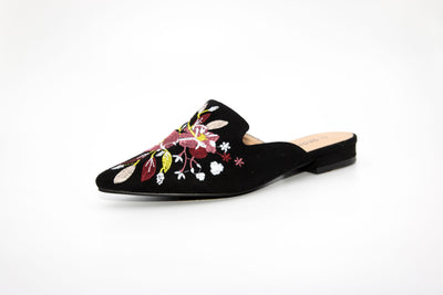 Black Pointed Flower Embroidery Loafers - Berness
