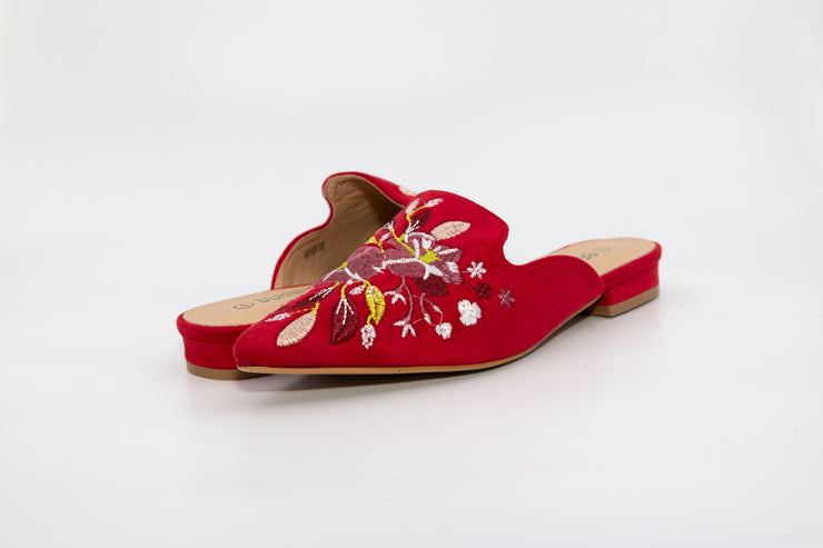 Red Pointed Flower Embroidery Loafers - Berness