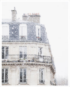 Snowfall in Paris