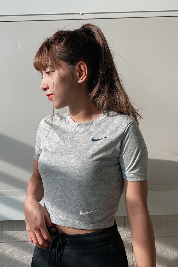 Nike women double swoosh crop T-Shirt Grey
