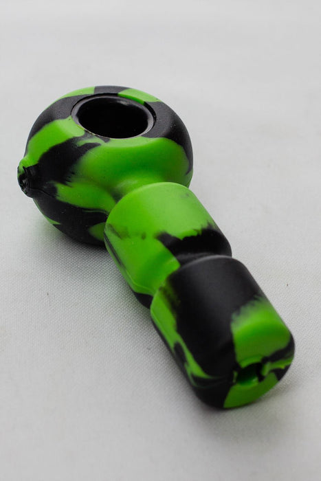 Silicone hand pipe with metal bowl