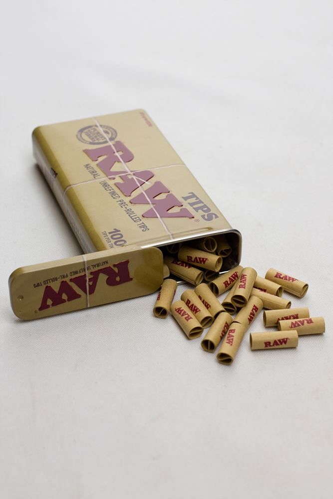 Raw Rolling paper pre-rolled filter tips 100 in a tin case