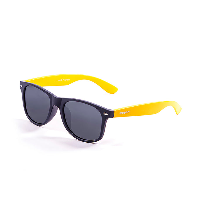 ocean sunglasses KRNglasses model BEACH SKU 18202.95 with transparent white frame and revo blue lens