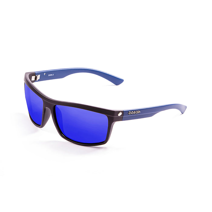 ocean sunglasses KRNglasses model JOHN SKU 20000.4 with matte black frame and smoke lens
