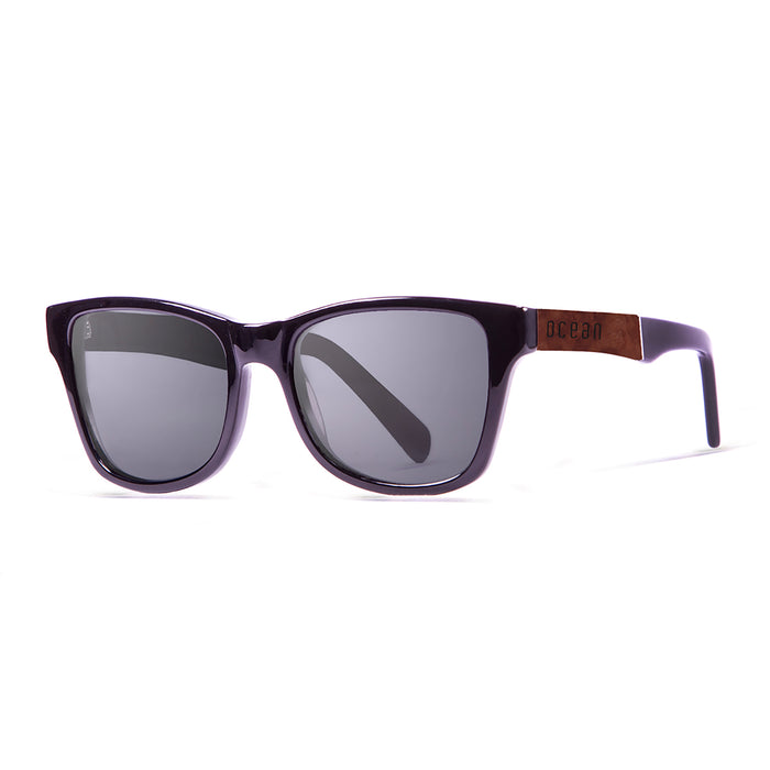 ocean sunglasses KRNglasses model LAGUNA SKU 11102.1 with shiny black & ebony frame and green lens