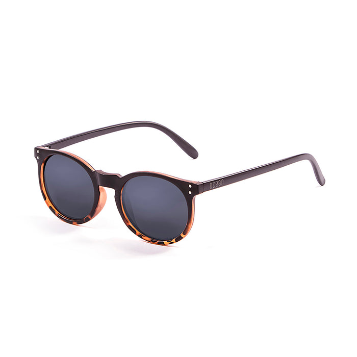 ocean sunglasses KRNglasses model LIZARD SKU 72000.5 with matte black & demy frame and smoke lens