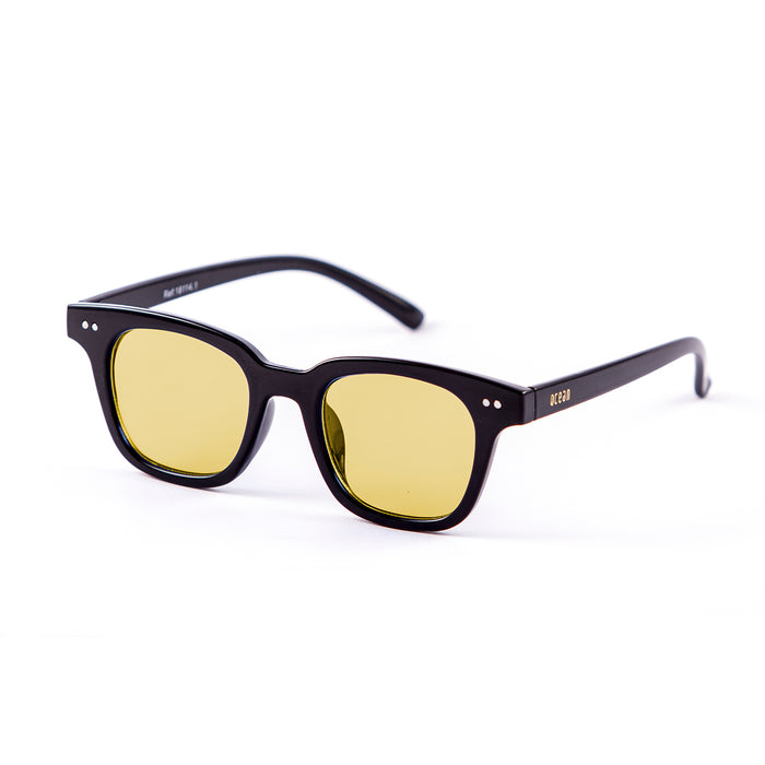 ocean sunglasses KRNglasses model SOHO SKU 18114.3 with shiny black frame and silver mirror flat lens