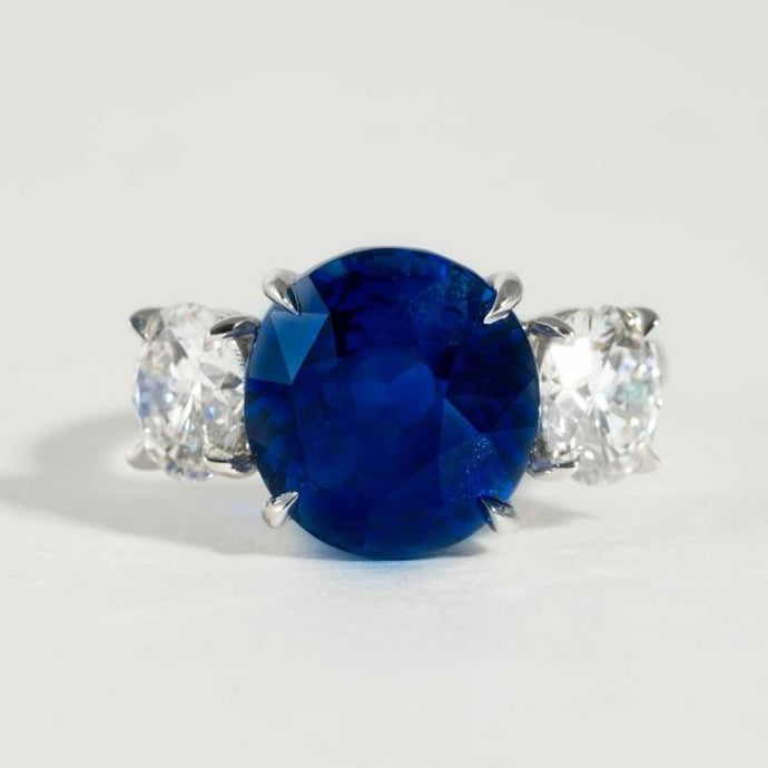 9.07CT Royal Blue Natural Sapphire no heat Ceylon and diamond 2@2.21 cts tw 3 Stone Ring - Boston