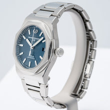 Load image into Gallery viewer, Girard Perregaux Laureato Blue Dial Stainless Steel 38mm (81005-11-431-11A) - Boston