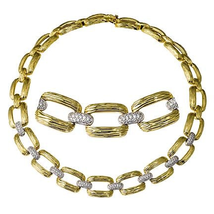 Gold Round Cut Diamond Necklace - Jewelry Boston