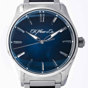 Pre-owned H. Moser & Cie. Pioneer Centre Seconds Blue Dial Stainless Steel 42.8mm (3200-1200) - Boston