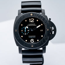 Load image into Gallery viewer, Pre-owned Panerai Luminor Submersible 1950 3-Days CARBOTECH 47mm (PAM00616) - Boston
