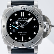 Load image into Gallery viewer, Pre-owned Panerai Luminor Submersible 1950 3 Days Stainless Steel (PAM00682) - Boston
