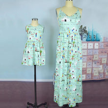 Load image into Gallery viewer, Mom Girl Graffiti Prints Matching Dress