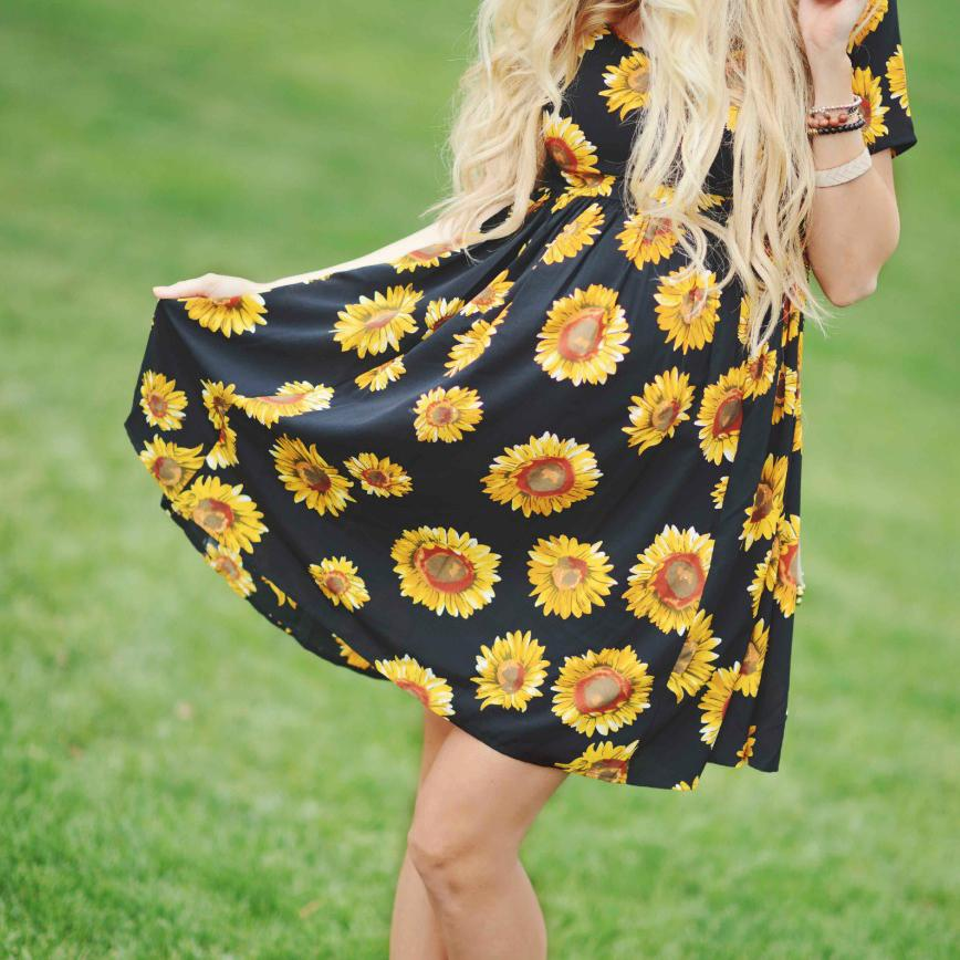 eba27f56f525f ... Load image into Gallery viewer, Maternity Sunflower Dress ...