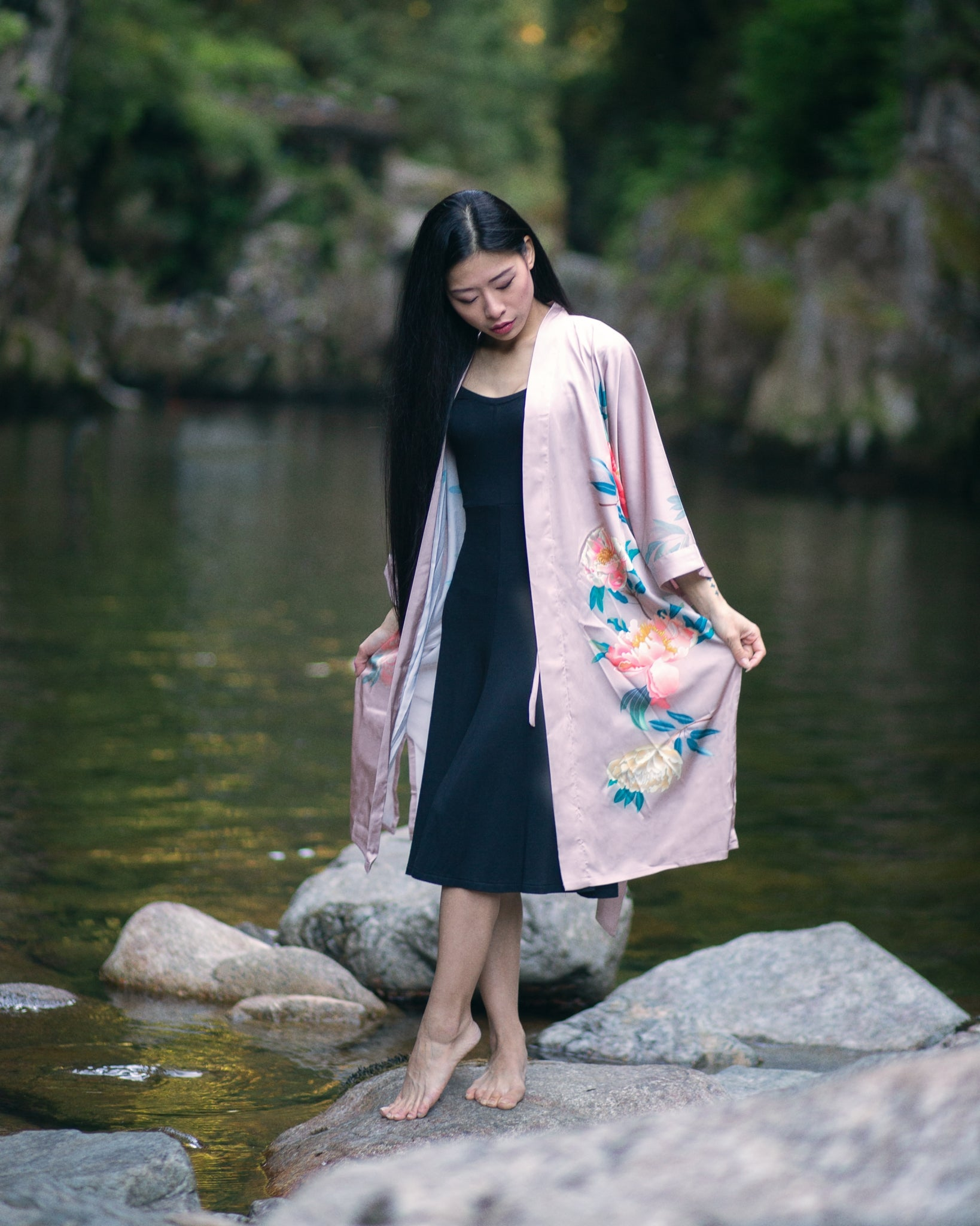 women's short pink kimono robe, gifts for her, maternity fashion, open robe