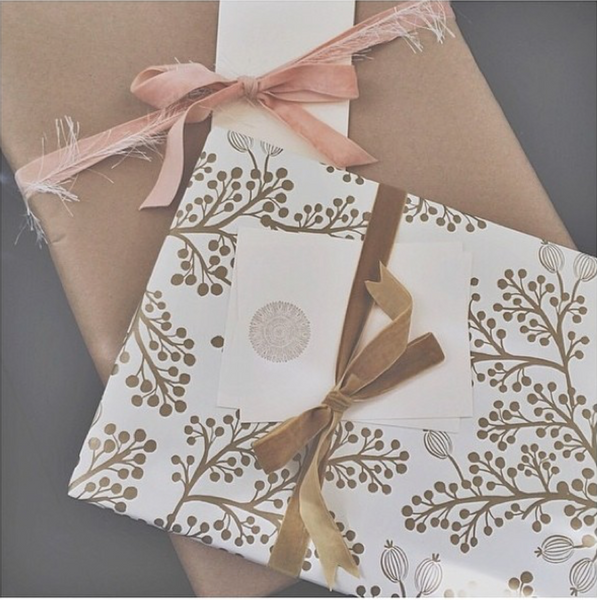 WH Medallion Stationery Set || The Give Back Line