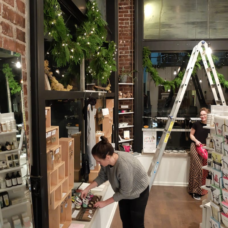 holiday decorating nw portland boutiques