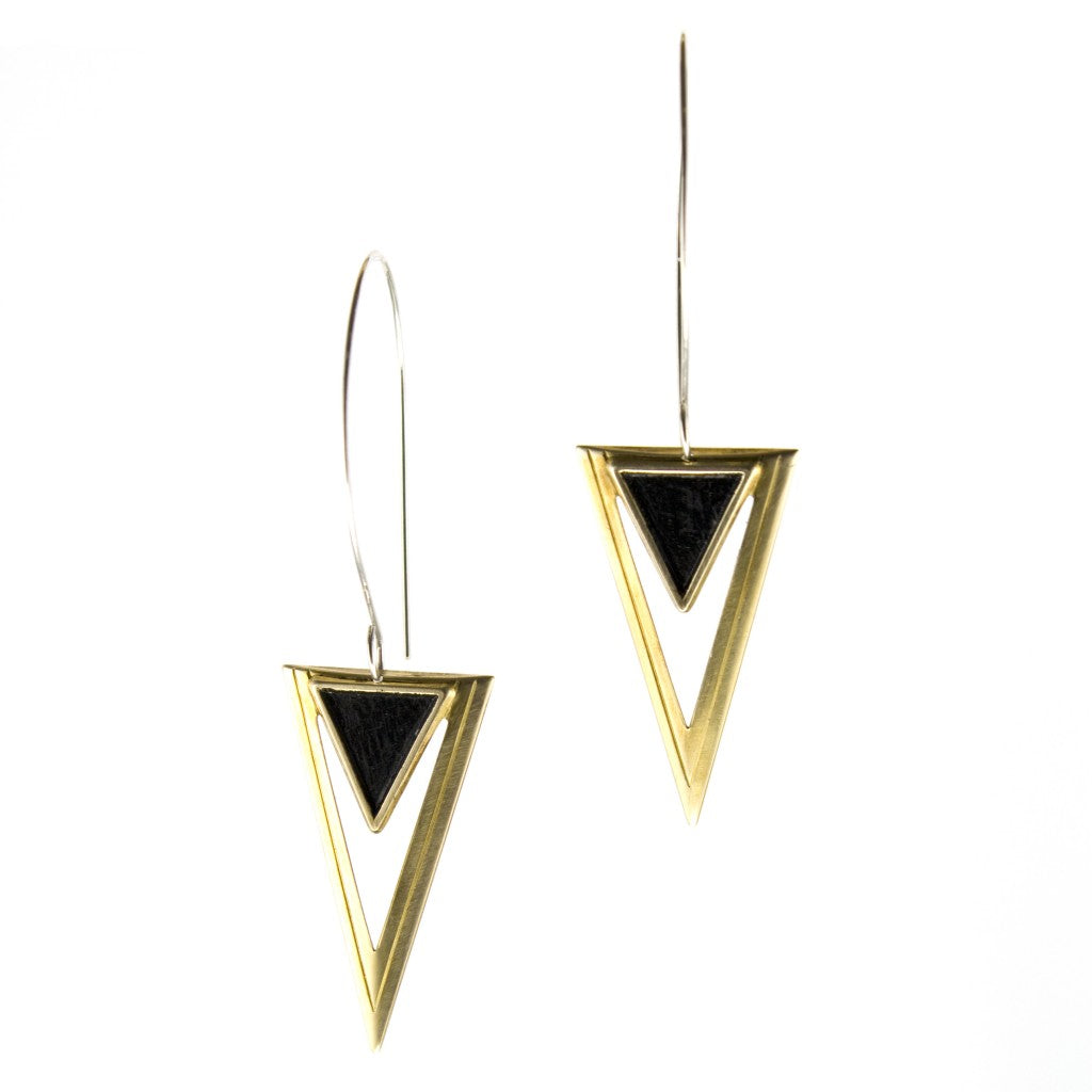 triangular earrings with gold and black brass