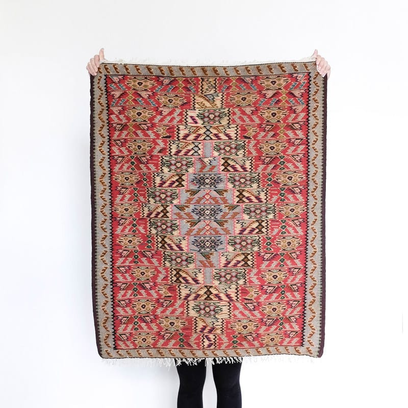 Senneh Wool Rug with Red Exterior and Cream Diamond Center