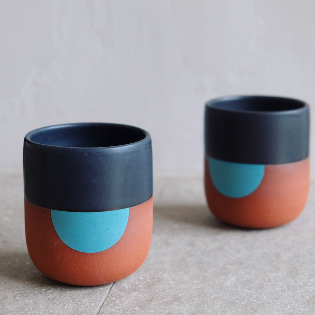Handleless Mug in Eclipse Black and Turquoise