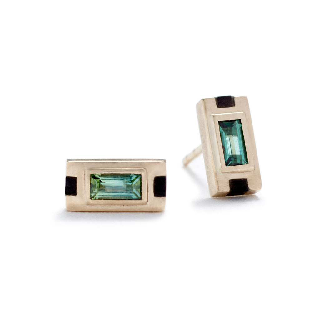Mirum stud earrings