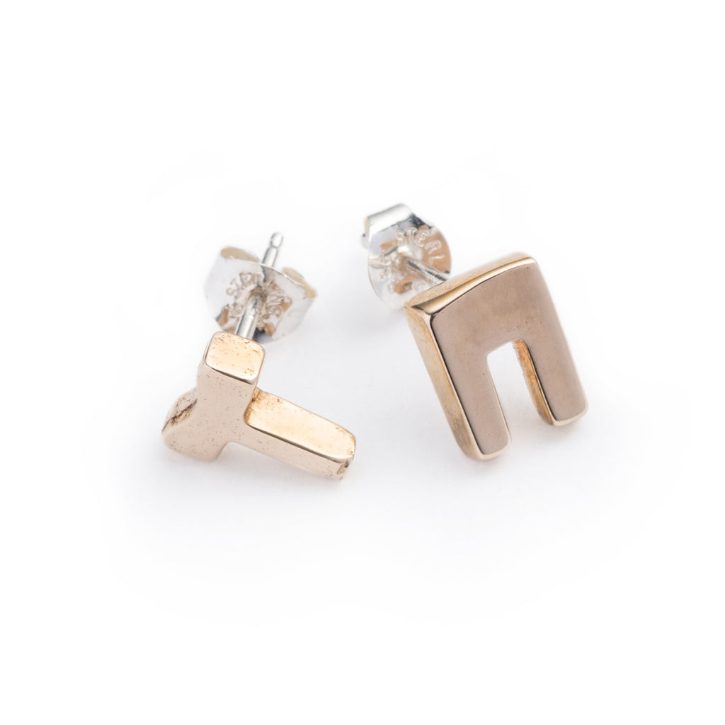 gallery in ear black stud lyst noel jewelry nadri mismatched crawler