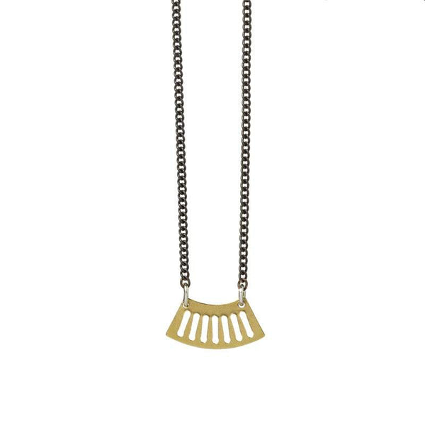 Ritmo mini fan necklace in brass focal