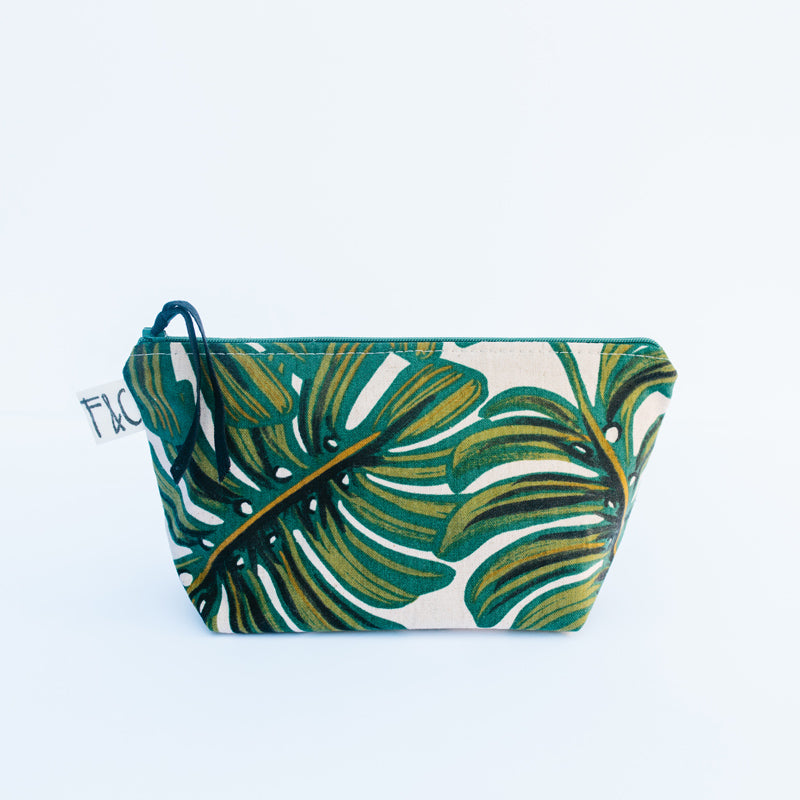 Tabor Cosmetic Bag in Monstera