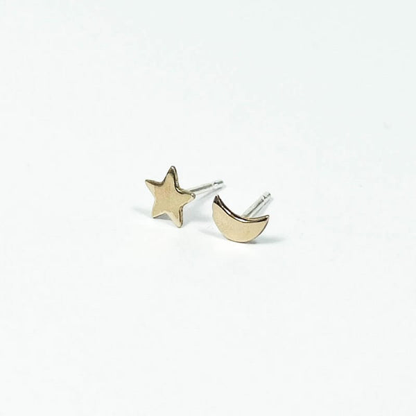 Upper Metal Class Moon Star Stud Earrings Bronze