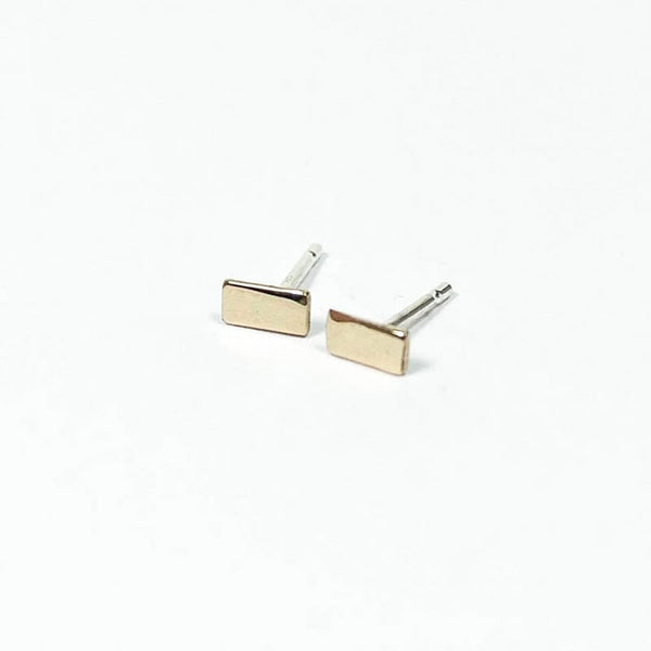 Upper Metal Class Minimalist Rectangle Stud Earrings in Bronze