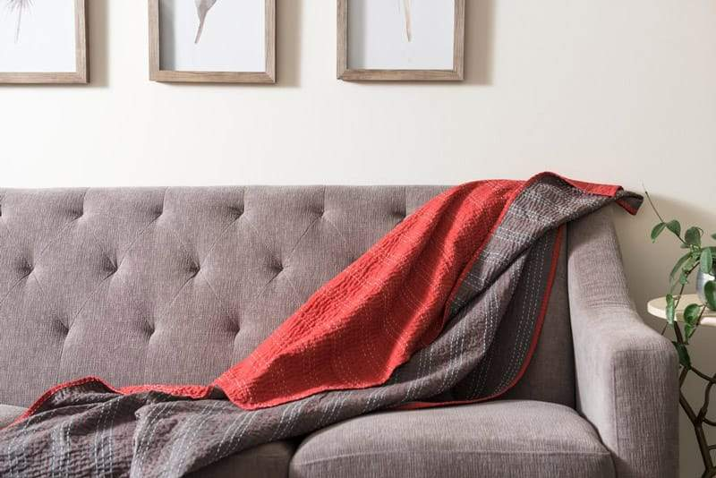 Bloom & Give - Barmer Kantha Throw in red-grey