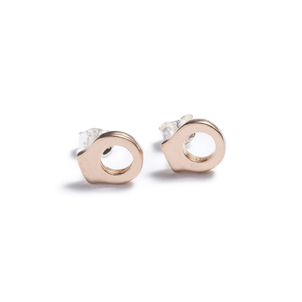betsy & iya everyday minimalist circle stud earrings in bronze