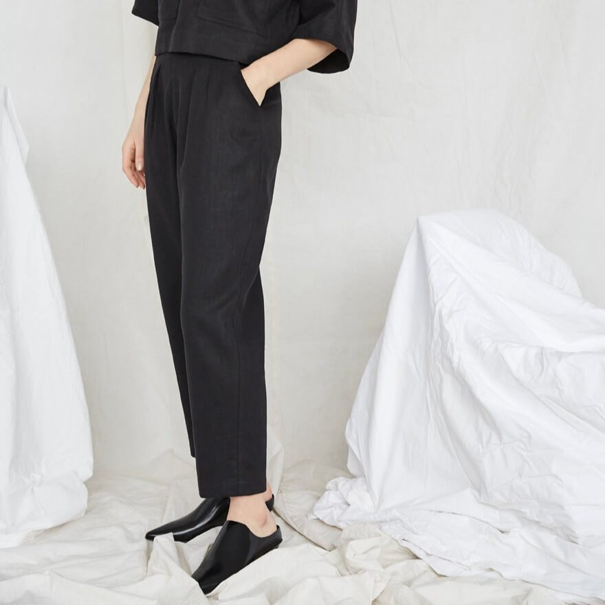 Terre Sauvage Pants in Black