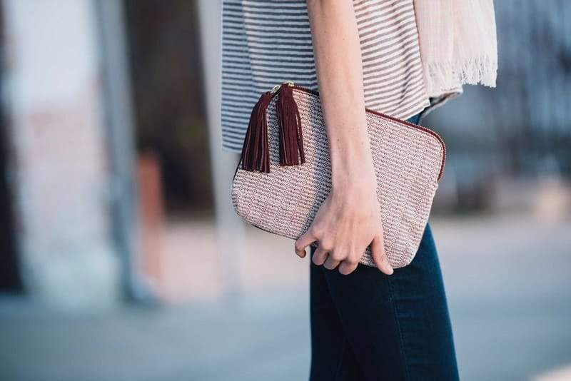 Bloom & Give - Kavya Clutch in burgundy/white