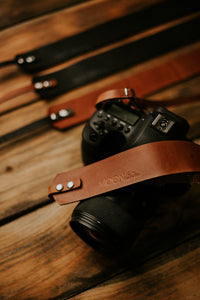 MOON Lite Everyday Wide | Adjustable leather camera strap for mirrorless or film cameras