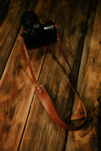 Load image into Gallery viewer, MOON Lite Everyday Wide | Adjustable leather camera strap for mirrorless or film cameras