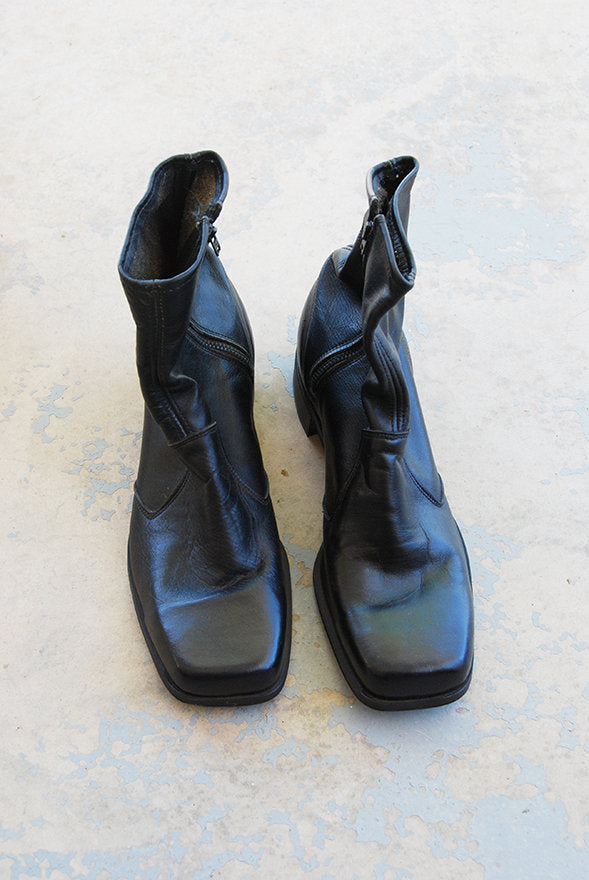85fbffc6375 ... vintage 60s Chelsea Ankle Boots - Black Leather Beatle Boots - 1960s  Deadstock NOS Mod Boots ...