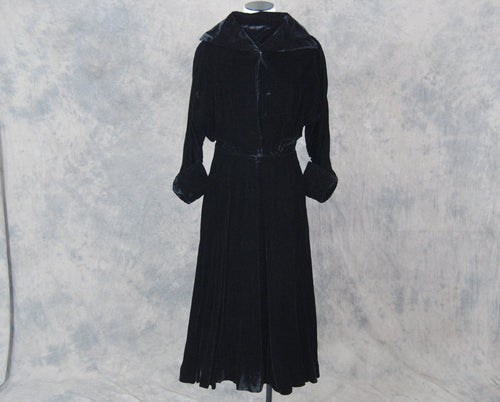 vintage 40s Dress - 1940s Black Velvet Cocktail Dress - Noir Party Formal Dress Sz S