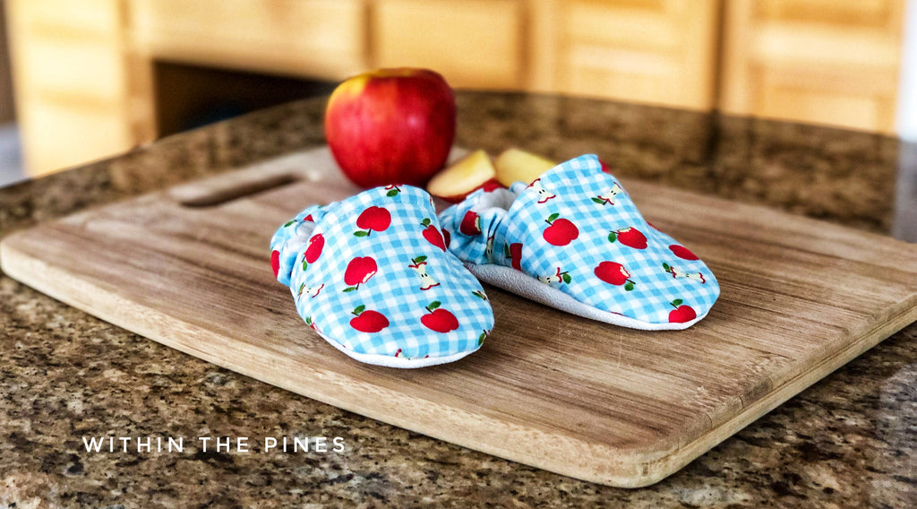 Back To School Apple Moccs