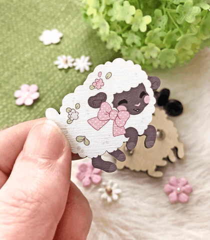 Fuwafuwa Sheep Wood Pin