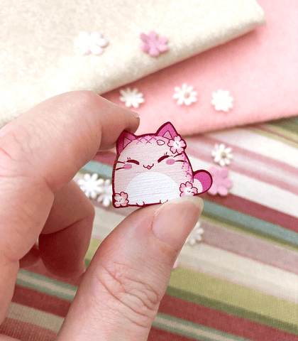 Sakura Nyanpan Mini Wood Pin