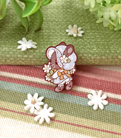 Wee Holly Bunny Mini Wood Pin